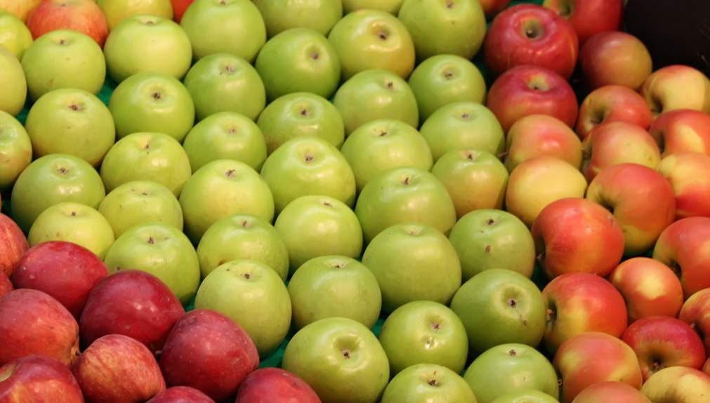 Apples in Charts: With prices at four-year high, how will Chile's lower crop play out?
