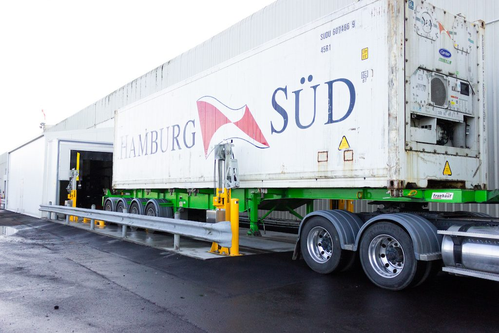 NZ's biggest fruit exporter cuts haulage costs by 30%