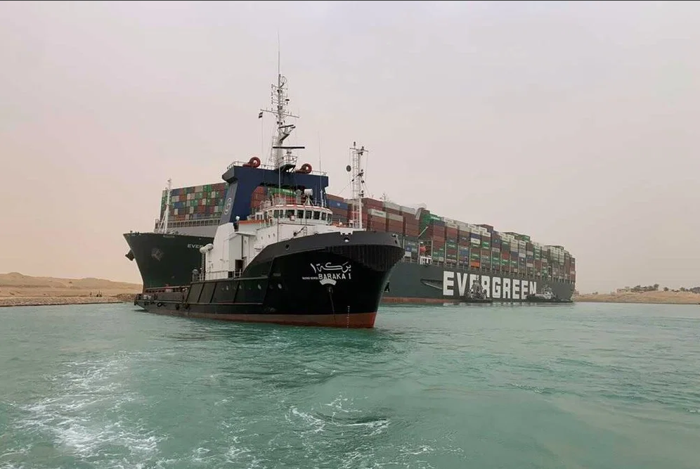 Suez Canal: Unprecedented blockage continues and could impact global shipping for months