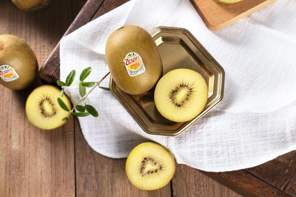 The growth of a kiwifruit giant