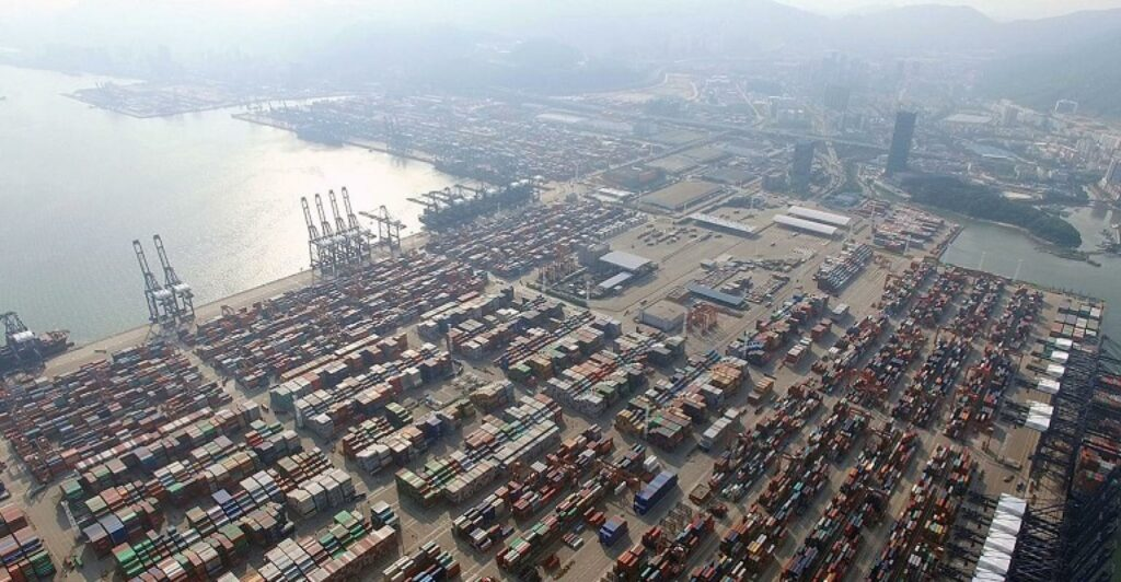 A 'worrying trend': Covid outbreak at Chinese port exacerbates global supply chain delays