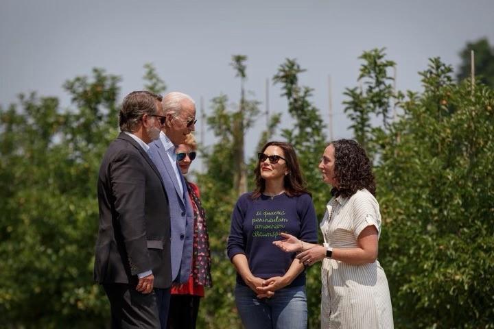 U.S.: Biden visits Michigan apple grower