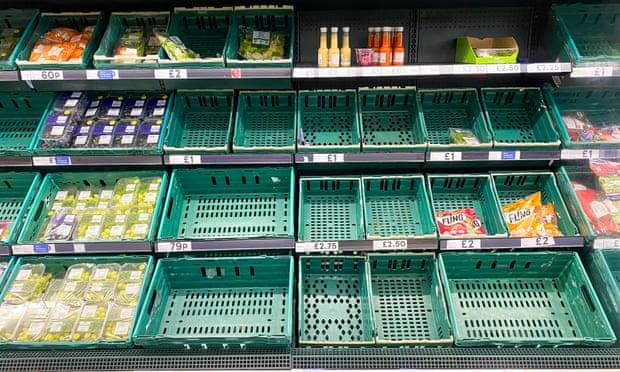 U.K.: Covid app 'pingdemic' blamed for empty supermarket shelves