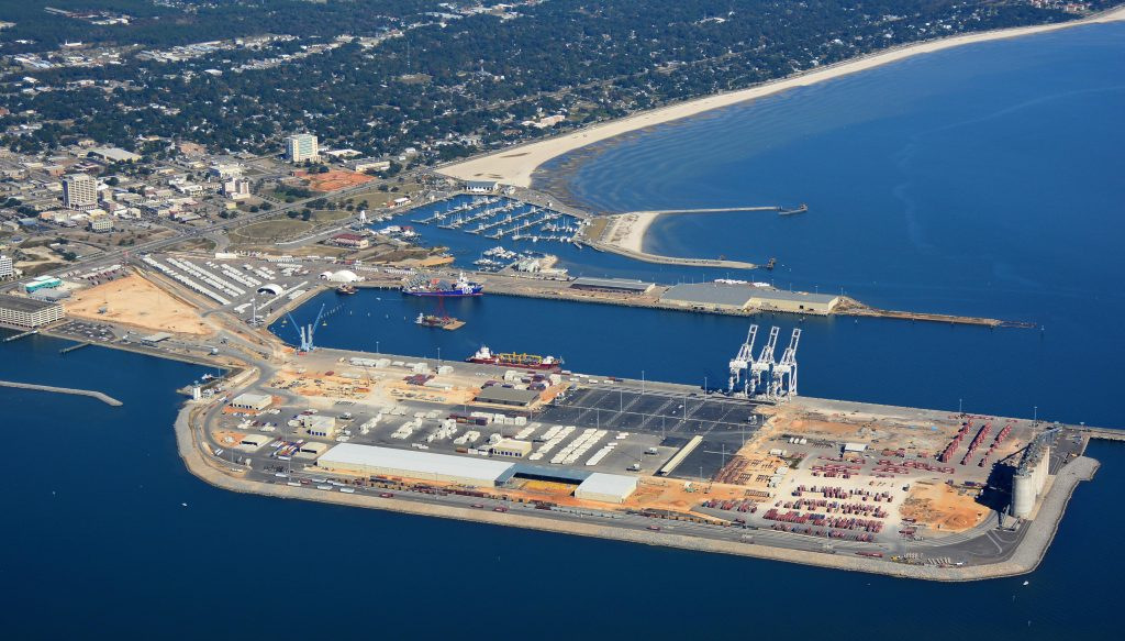 Port of Gulfport welcomes Dole's newest container vessels