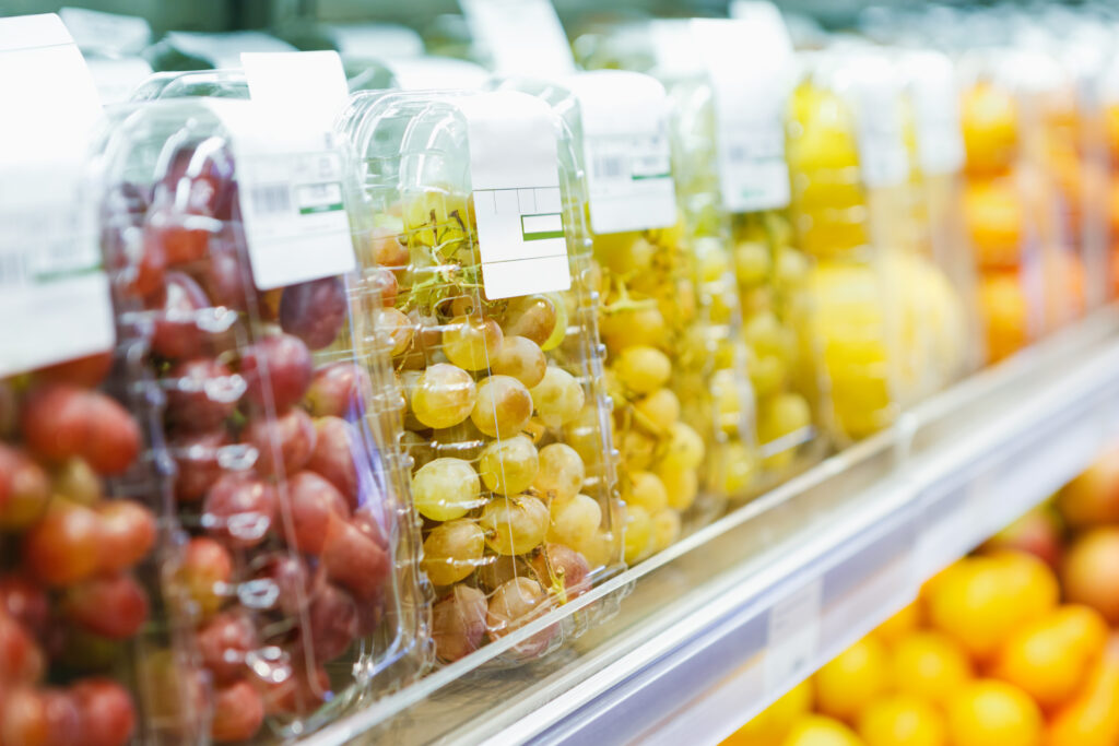 France bans plastic packaging for fruit and vegetables from 2022, with longer phase-out for berries